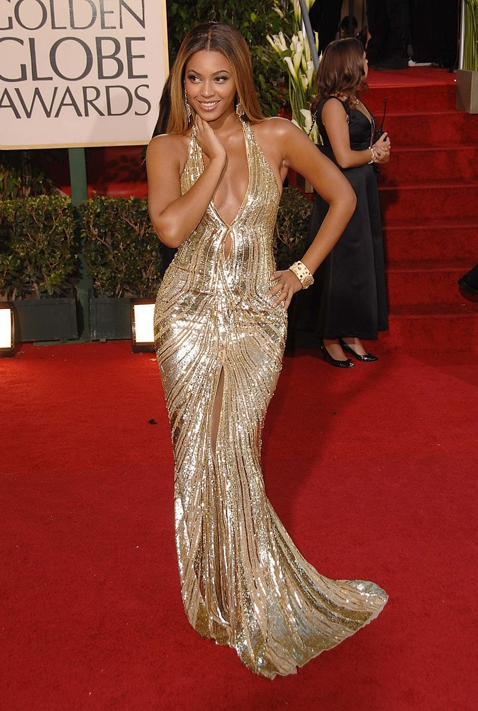 6b2f00ad386 Behind the scenes of not-so-glamorous red carpet facts | Monagiza