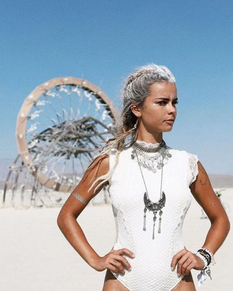These Girls Wore The Most Unforgettable Costumes To Burning Man Monagiza