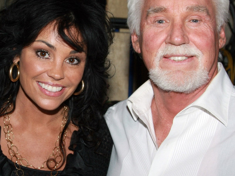 42 interesting facts about country legend Kenny Rogers ...